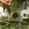 Jardins co Solar do Barão, com prédio do Museu ao fundo